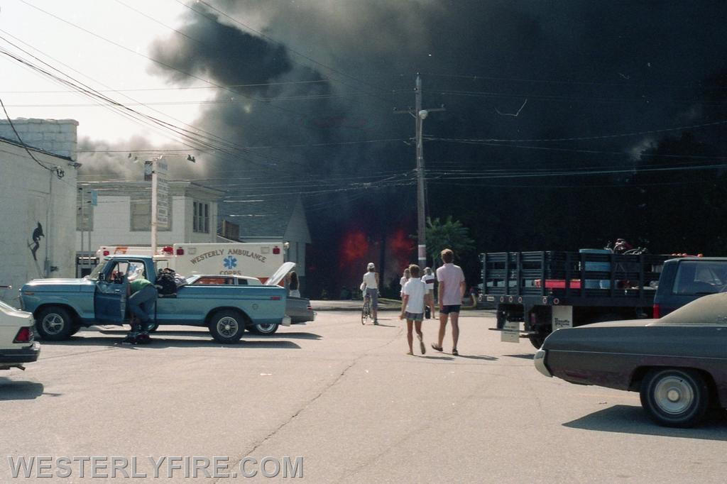 Box 1123- 8-15-1987- A view from the parking lot near the billboard at the beginning of the Hanley-Williams fire.